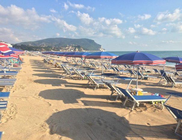 spiaggia marcelli di numana