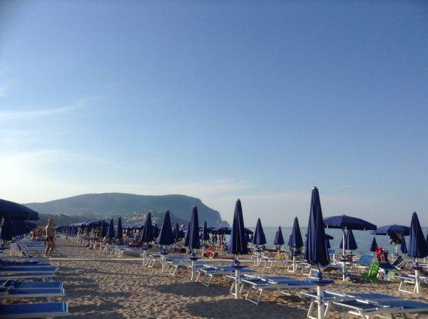 buongiorno dalla spiaggia di numana